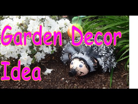 Do it yourself Crafts: Hedgehog Backyard garden Decor from Recycled Plastic Bottles