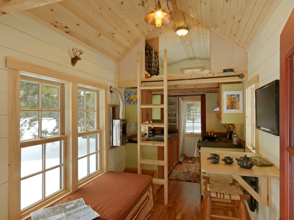Why tiny house living is fun freecycle - Tiny contemporary house interior ...